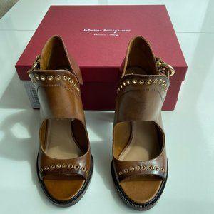 Salvatore Ferragamo Narny Leather Grommet Trim 8.5